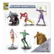 "Monogram International SDCC 2013 Monogram Exclusive Set of 6 DC Universe PVC 2.75"" Figures: Heroes and Villains Include: Batman, Flash, the Joker, Wonder Woman, the Green Lantern and an Exclusive Gold Su"